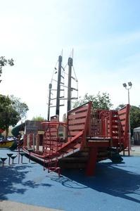 Lincoln Square park.jpg