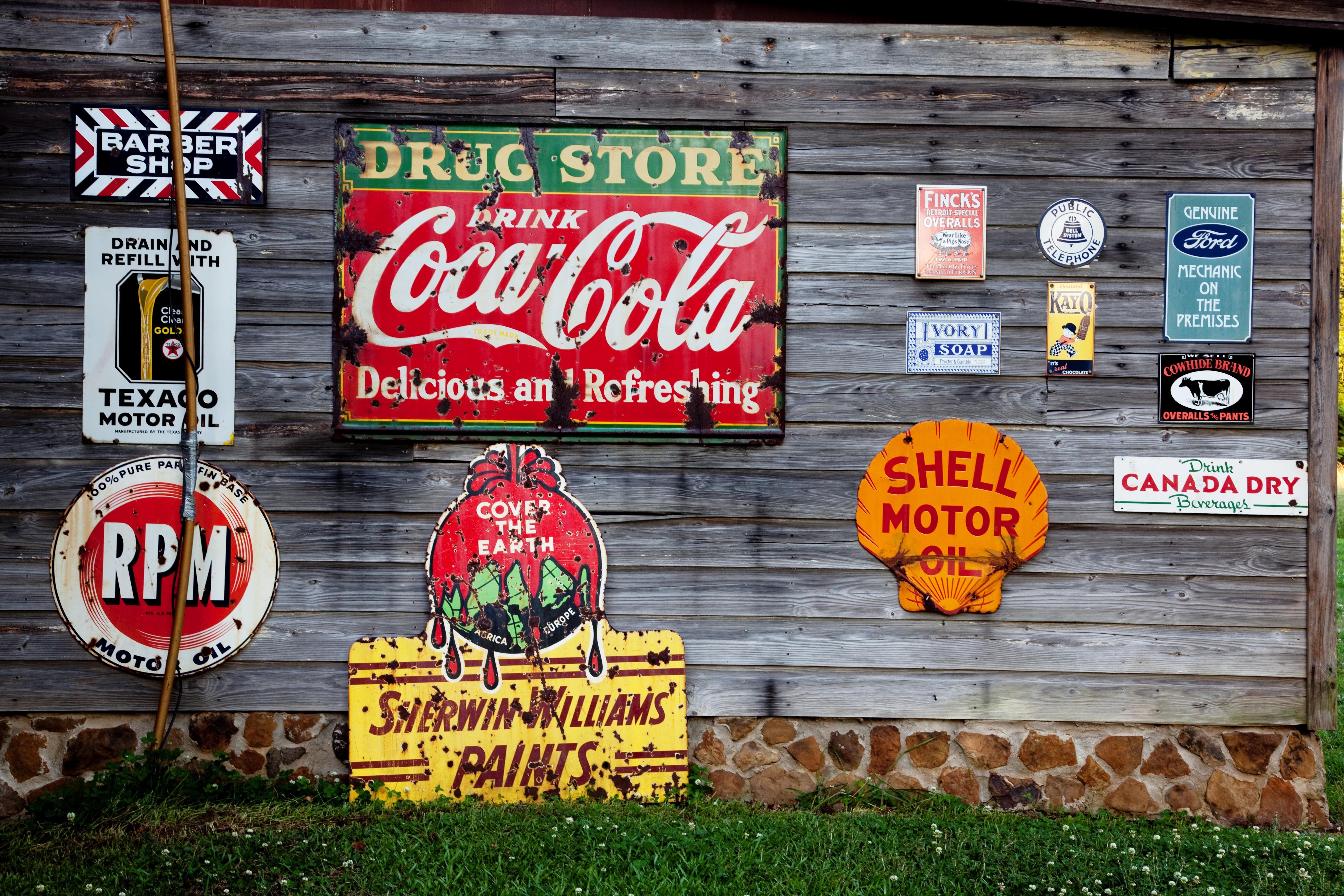 advertising-antiques-coca-cola-210126