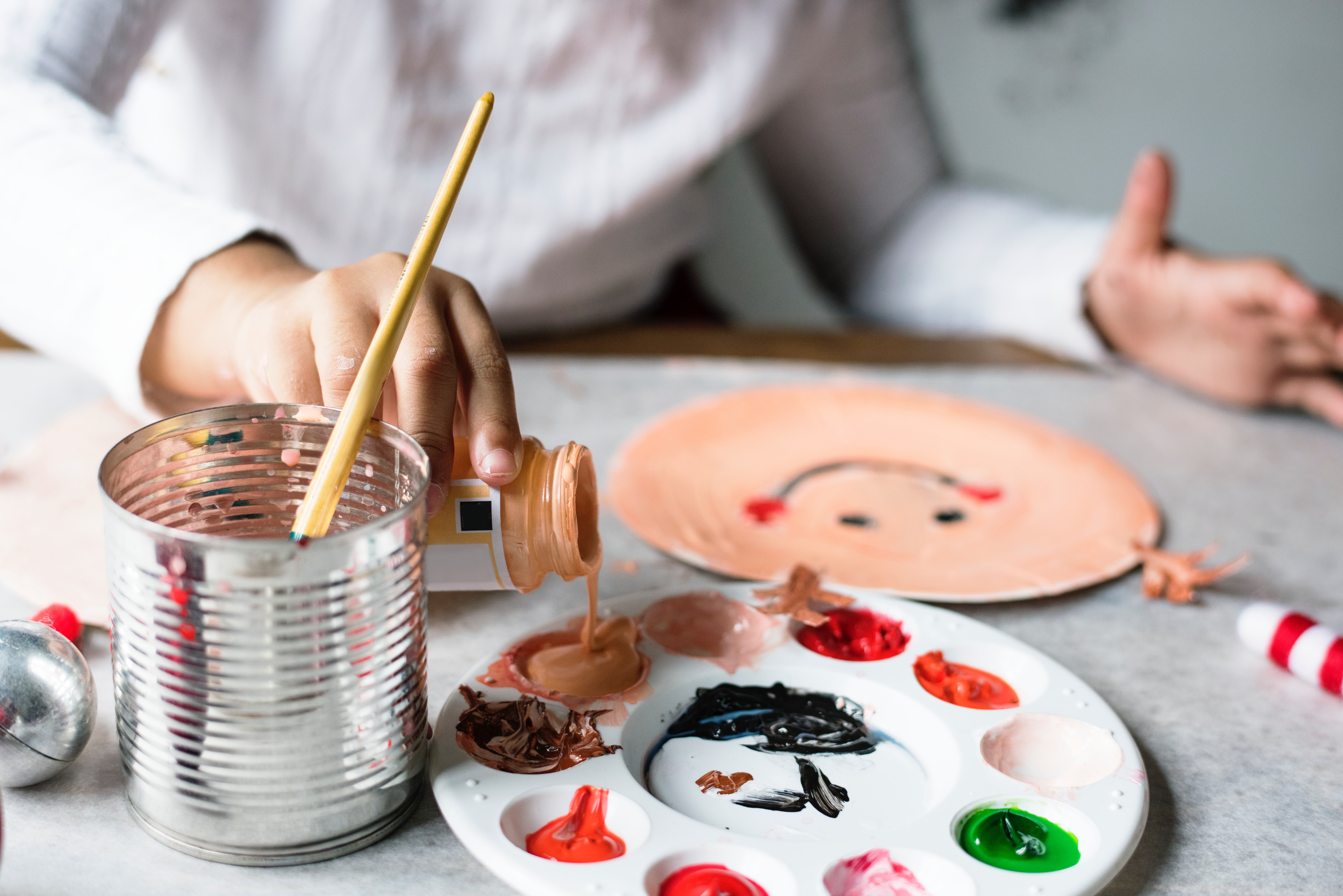 Make gifts at home with your child