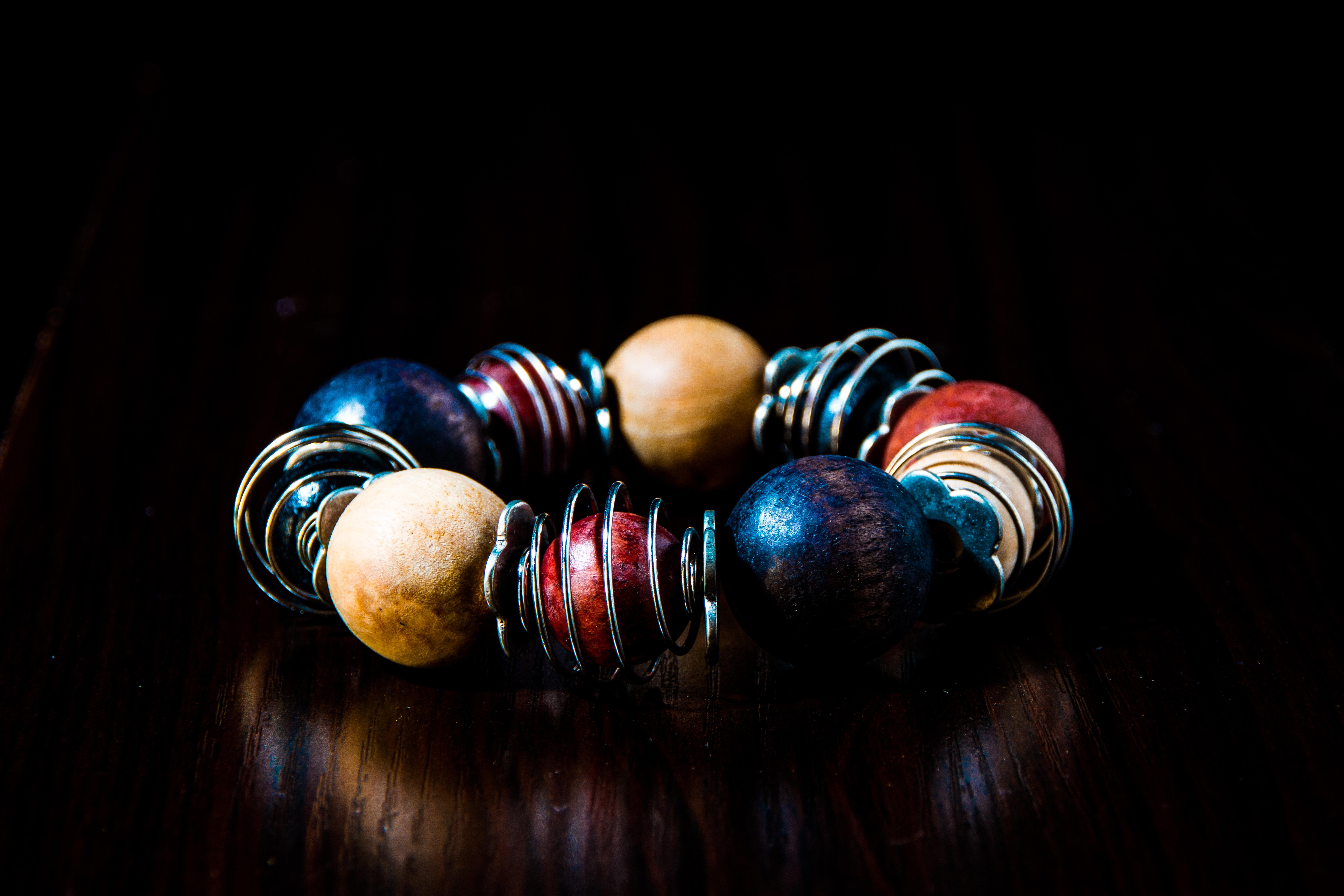 Make bead bracelet gifts at home